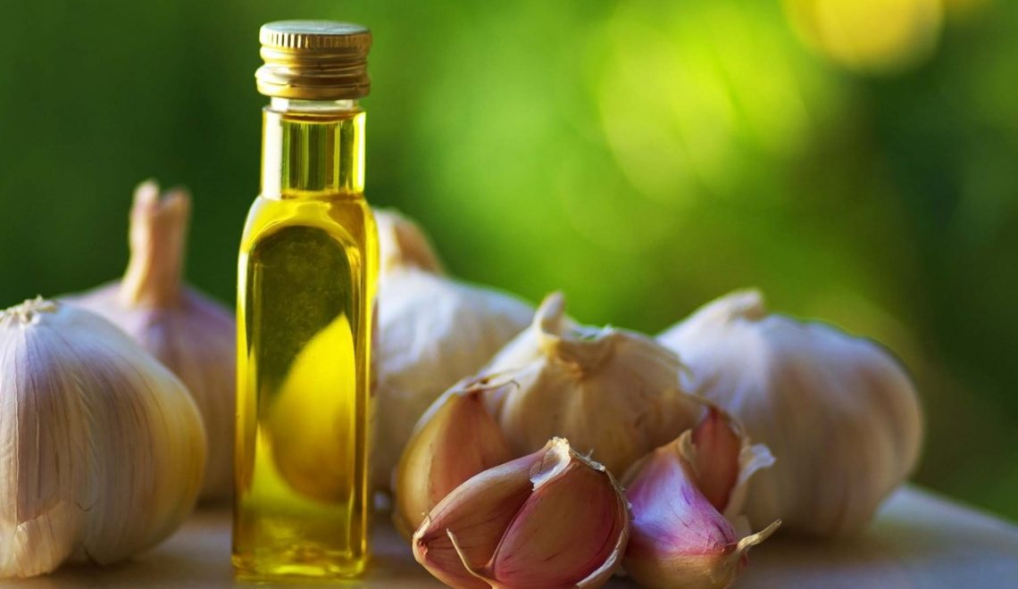 huile d'ail pour cheveux